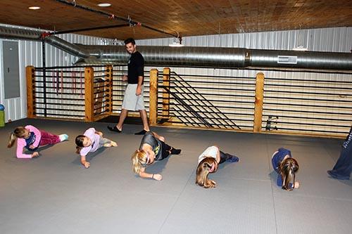 DL girls side plank